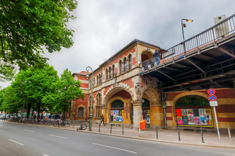 Tor de Schlesisches da estação de U-Bahn em Berlim, Alemanha fotografia de stock royalty free