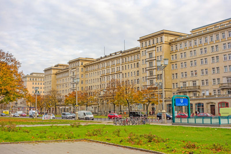 Tor della salsiccia di Francoforte del distretto, Berlino-Friedrichshain fotografia stock