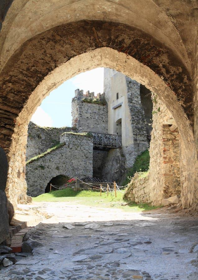 Tor des Schlosses Rabi stockfotografie