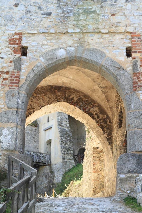 Tor des Schlosses Rabi stockbild