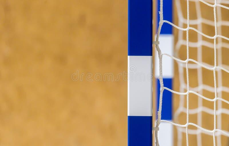 Tor für futsal oder Handball in der Turnhalle Detail des Torrahmens und -netzes Fußball- oder Handballspielplatz im Freien lizenzfreies stockbild