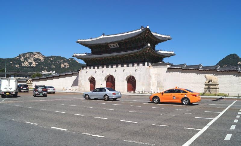 Tor Gwanghwamun Gwanghwa Der Haupttor des Gyeongbokgungs-Palastes stockbild