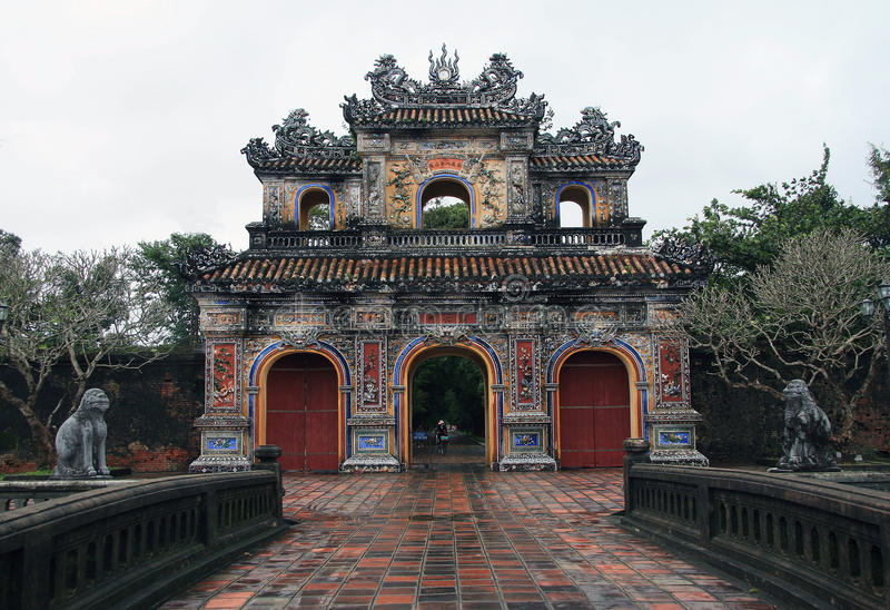 Tor Hien Nhon lizenzfreie stockfotos
