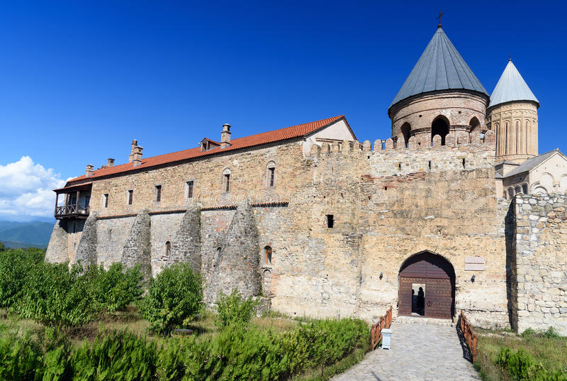 Tor von Alaverdi-Kloster im Alazani-Tal Kakheti-Region georgia lizenzfreies stockbild