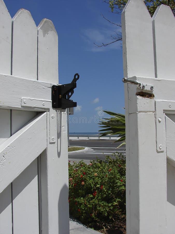 Tor zum Paradies in Key West, Florida stockbilder