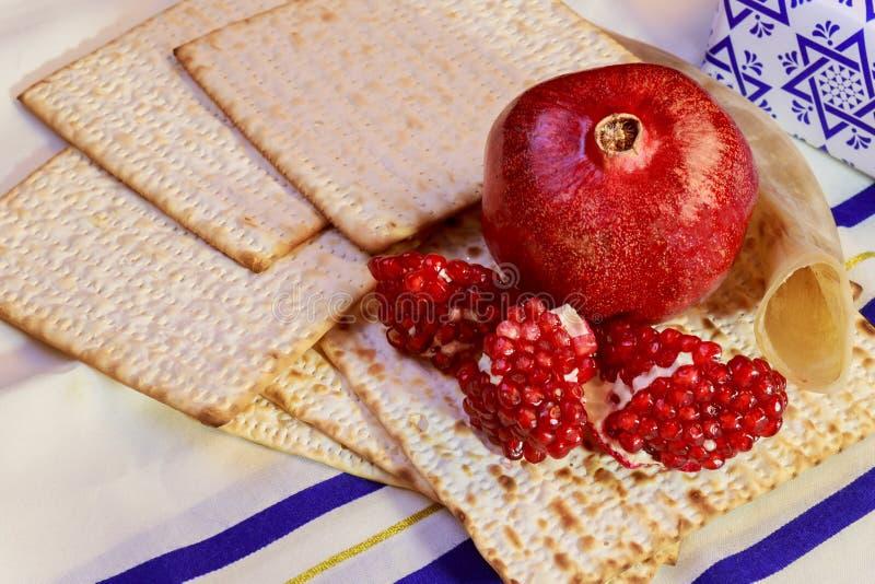 torah jud?o del pan del passover del matzoh del d?a de fiesta del hashanah del rosh imagenes de archivo