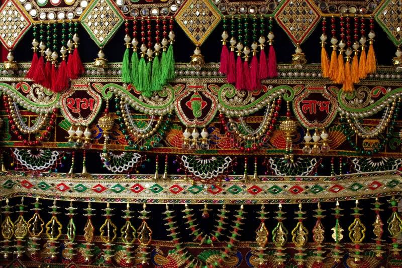 Toran una ejecución tradicional vista en hogares indios durante ocasiones festivas, como Diwali imagen de archivo