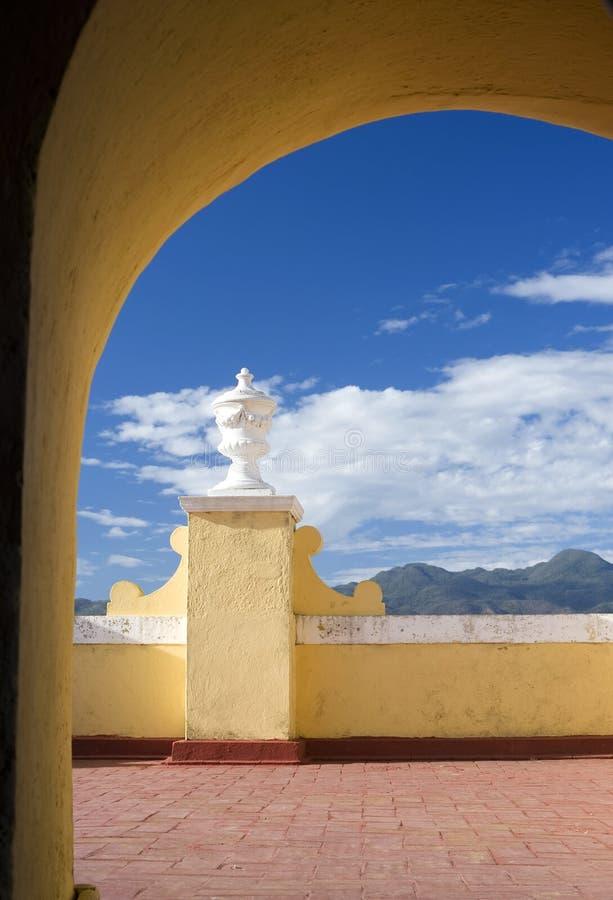 Torbogen-Ansicht - Trinidad, Kuba stockfoto