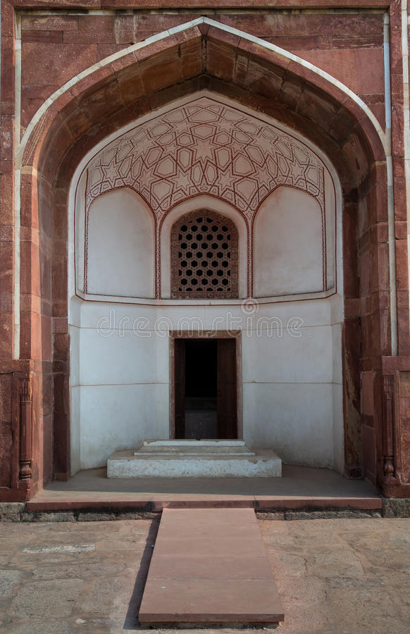 Torbogen innerhalb Humayuns des Grab-Komplexes lizenzfreies stockbild