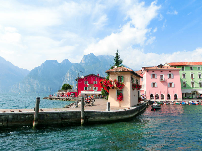 Torbole auf See Garda in Italien stockbilder