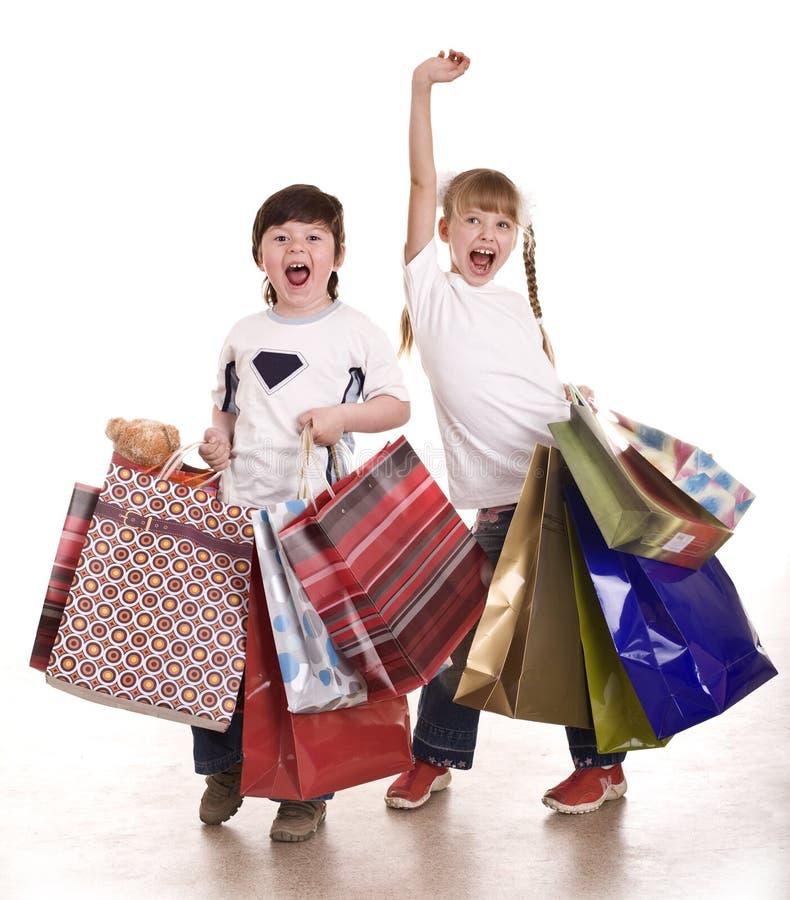 torby chłopiec dziewczyny zakupy fotografia stock