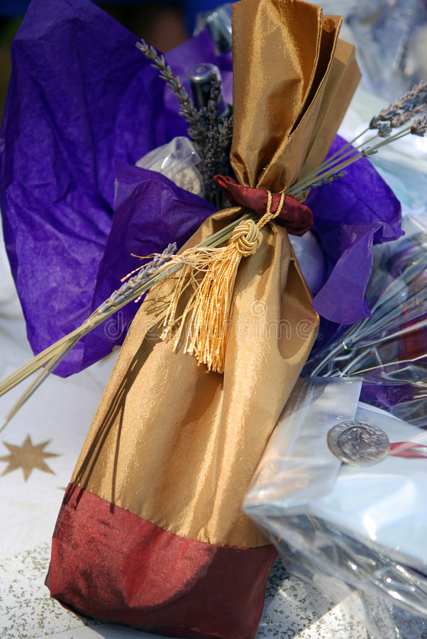 torby kolorze lila wina. zdjęcia stock