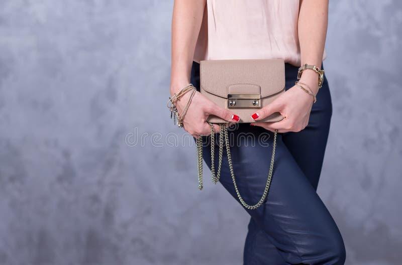 Torby mody trendy Zamyka up wspaniała elegancka torba Fashionab fotografia stock