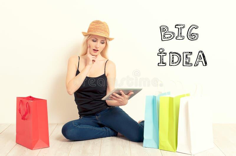 torby na zakupy kobiety Zakupy Onlin obrazy stock