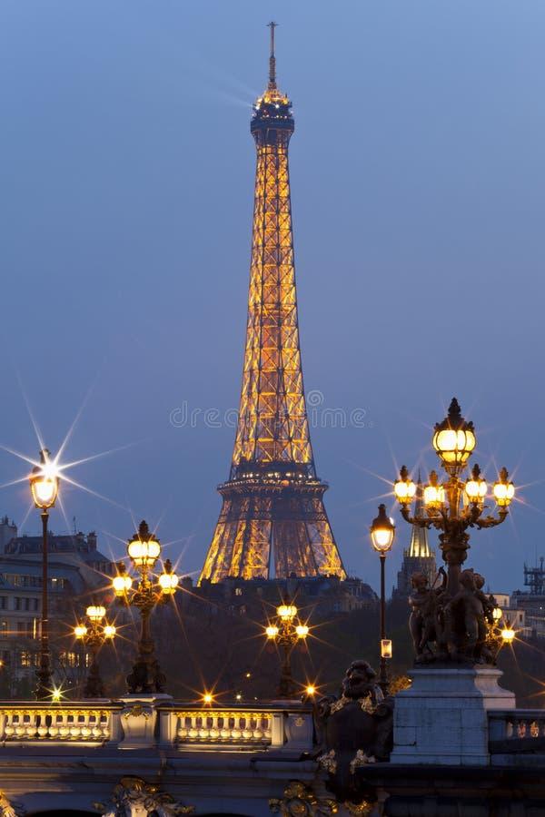 Toren en Alexander III van Eiffel brug. Parijs. royalty-vrije stock foto