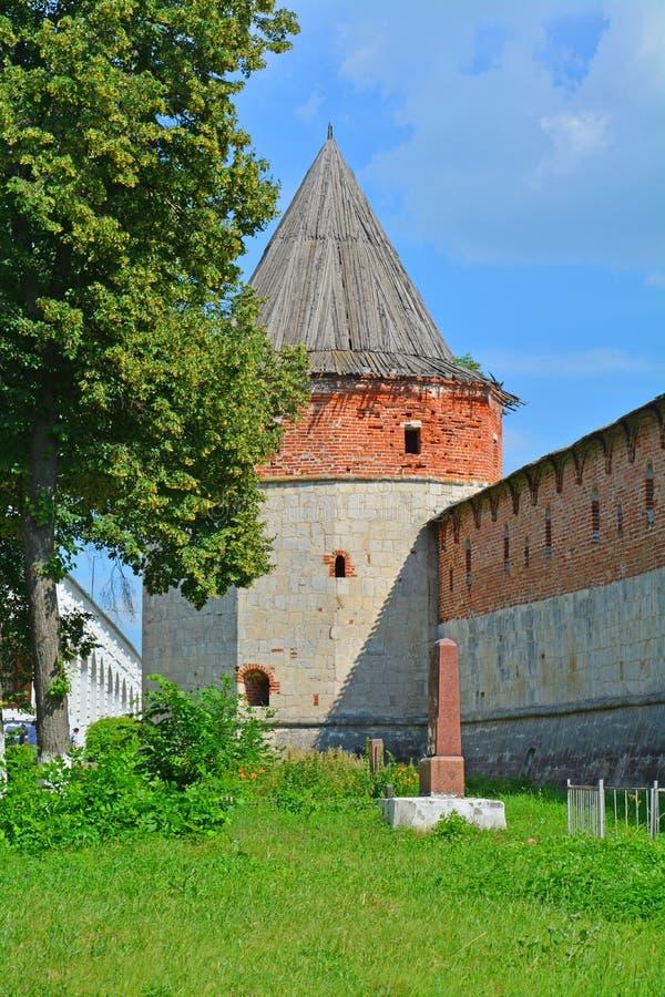 Toren en muren van Zaraysk het Kremlin stock foto's