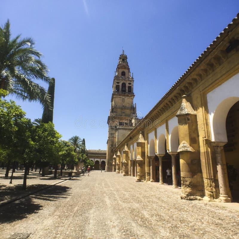 Toren van Alminar in de moskee-Kathedraal van Cordoba, Spanje royalty-vrije stock foto