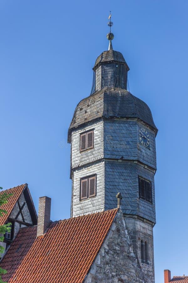 Toren van de Agidien-kerk in Hann Muenden stock foto