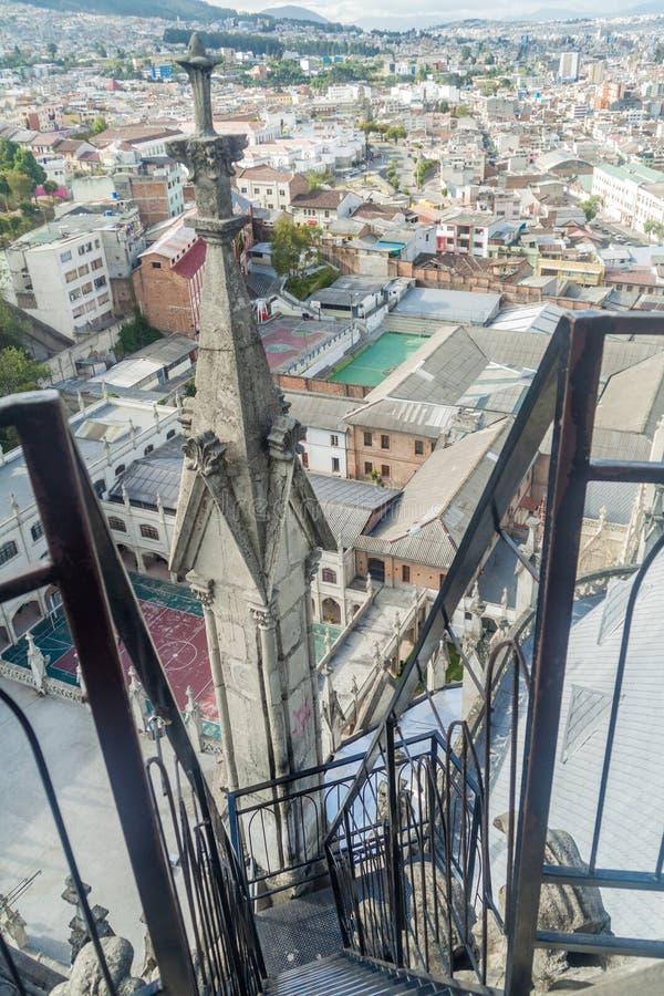Toren van de Basiliek van de Nationale Gelofte in Quito stock afbeelding