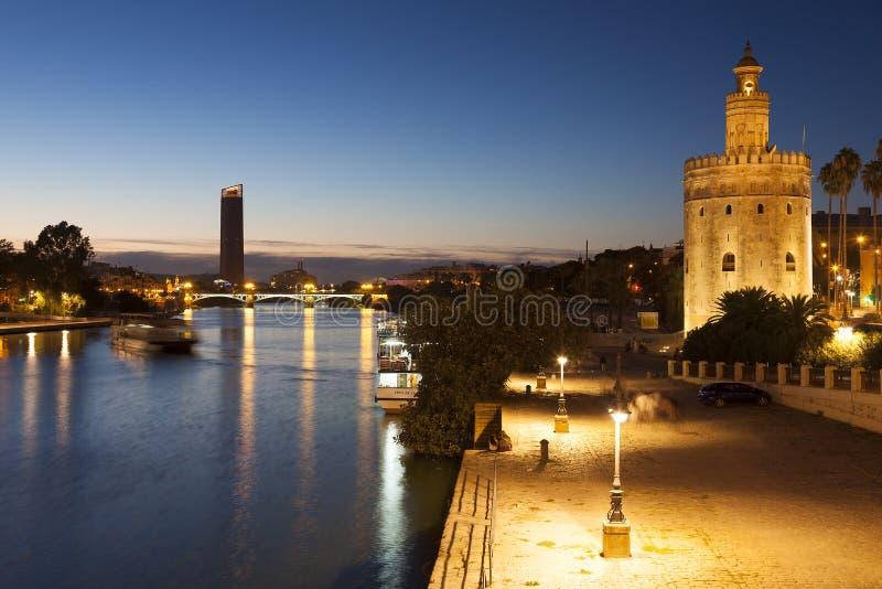Toren van de het goud en rivier van Guadalquivir, Sevilla royalty-vrije stock afbeeldingen