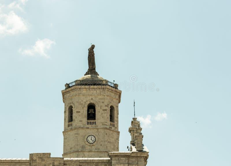 Toren van de Kathedraal van Valladolid in Spanje stock foto's
