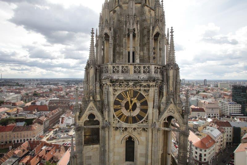Toren van de Kathedraal van Zagreb stock foto