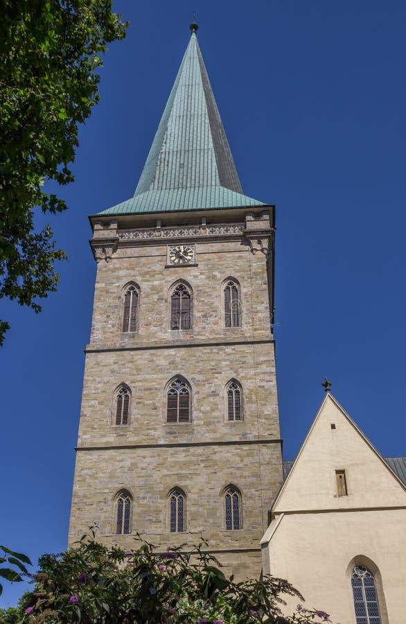 Toren van de St Katharinen kerk in Osnabrück stock afbeeldingen