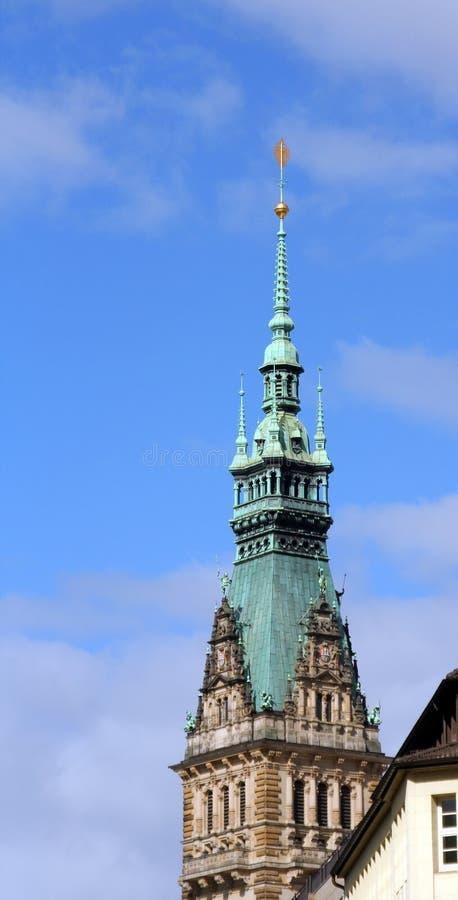 Toren van een oud gebouw stock afbeeldingen