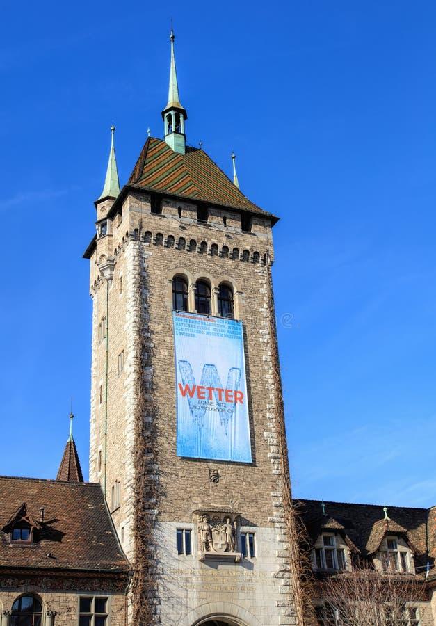 Toren van het Zwitserse Nationale Museum in Zürich stock afbeeldingen