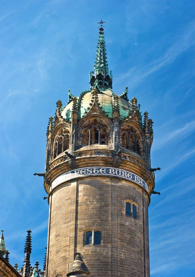 Toren van Paleiskathedraal in Wittenberg stock foto