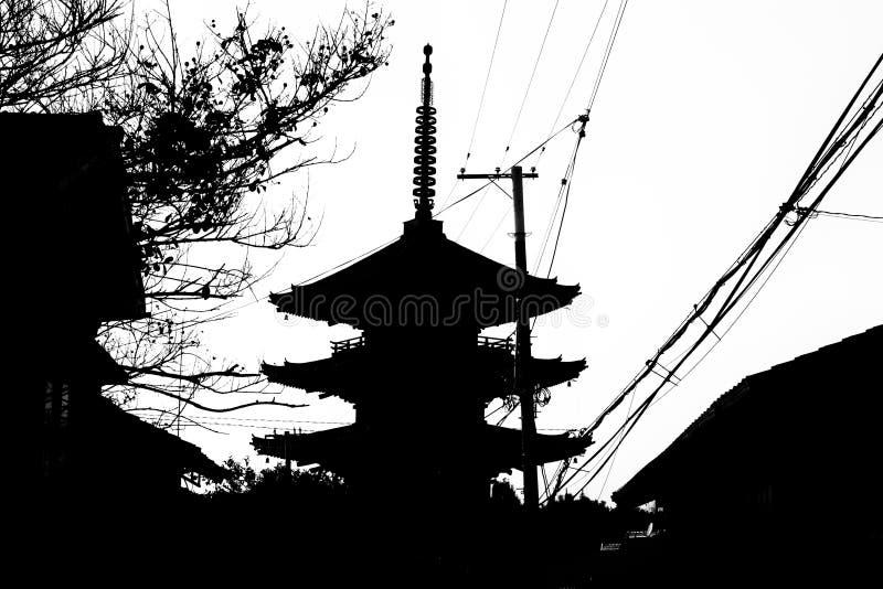 Toren van Yasaka dichtbij Kiyomizu-tempel, Kyoto, Japan, silhoueteffect royalty-vrije stock afbeelding