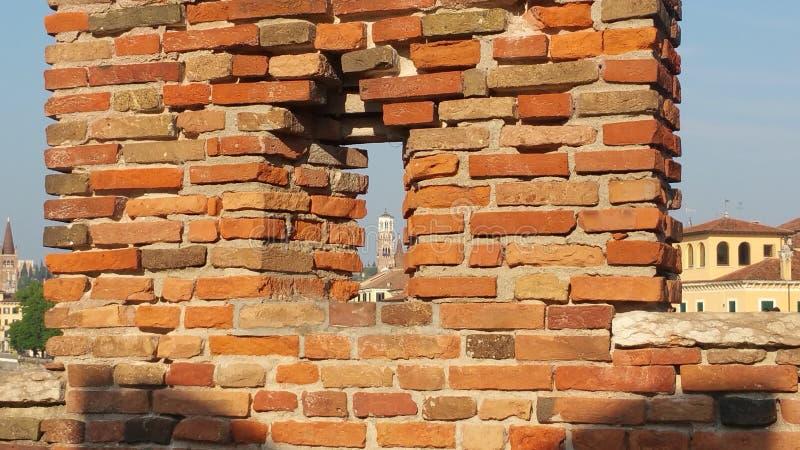 Toren in venster stock afbeelding