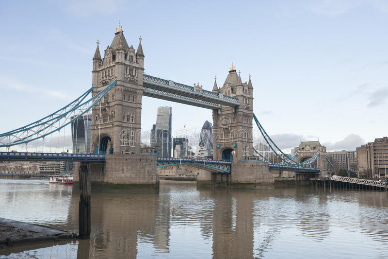 Torenbrug en de Rivier Theems, Londen, het UK stock afbeelding