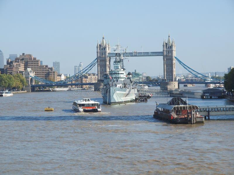 Download Torenbrug, Londen stock afbeelding. Afbeelding bestaande uit water - 39115843