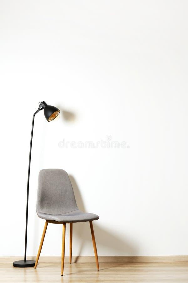 Torenhoge stijlstoel met niemand die op het zitten Beschikbare zetels royalty-vrije stock foto