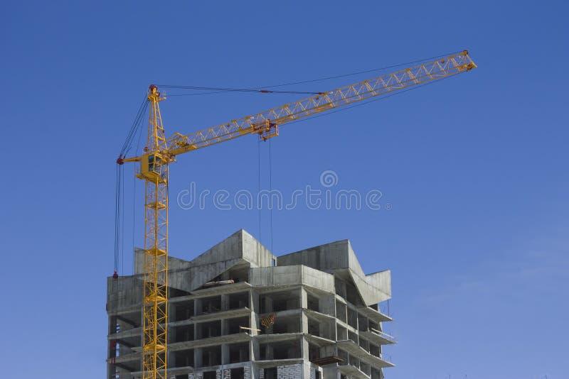 Torenkraan en de versterkte bouw stock fotografie