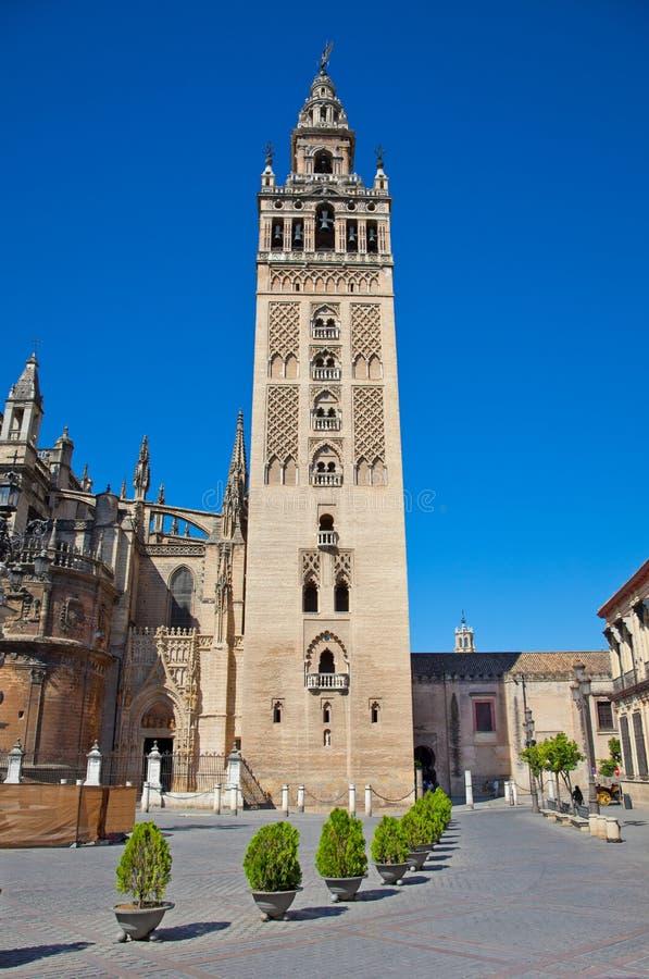 Torenla Giralda van Kathedraal in Sevilla, Spanje. stock foto's
