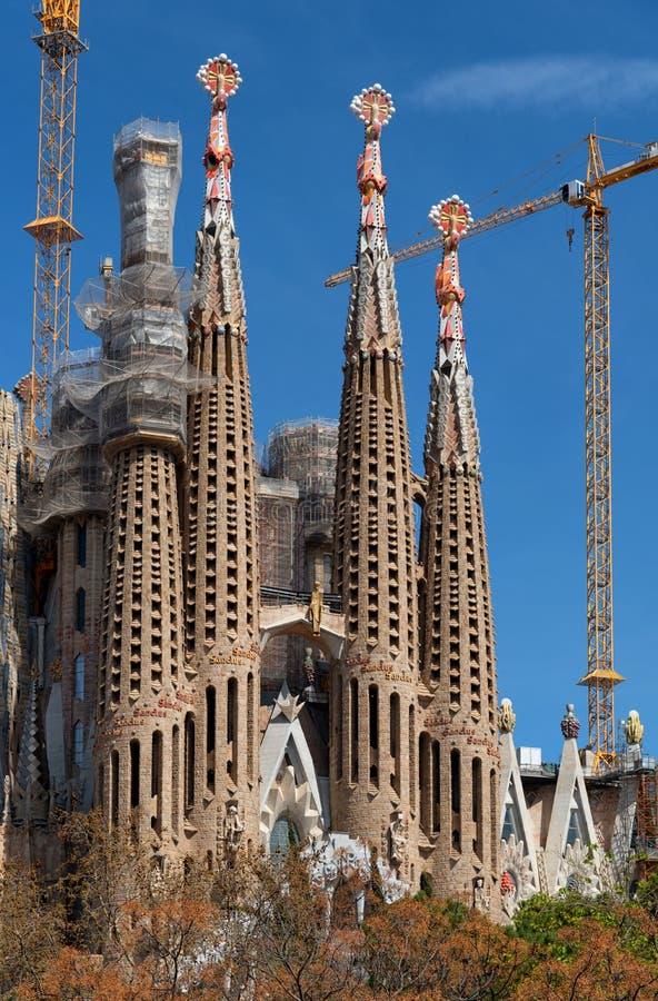 Torens van de Kathedraal van La Sagrada Familia in aanbouw, Barcelona, Spanje royalty-vrije stock afbeelding