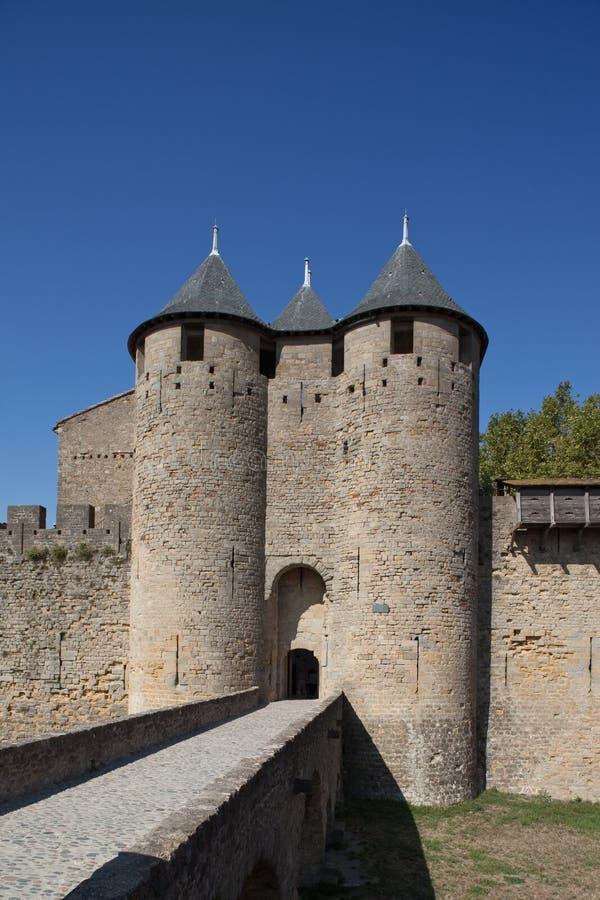 Torens van de vesting van Carcassonne (Frankrijk). stock fotografie