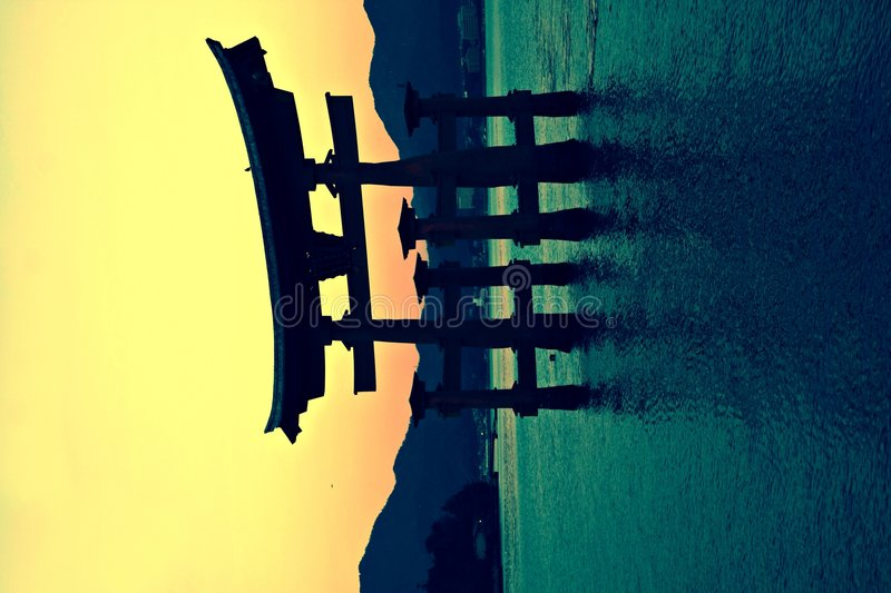 Torii Gatter in Miyajima, Japan stockbild