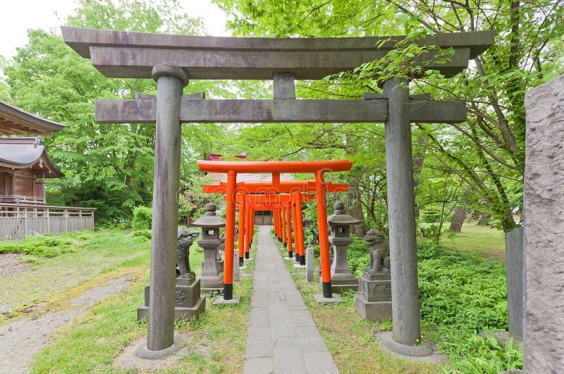 Torii-Tore shintoistischen Schreins Hachiman, Akita, Japan lizenzfreie stockbilder