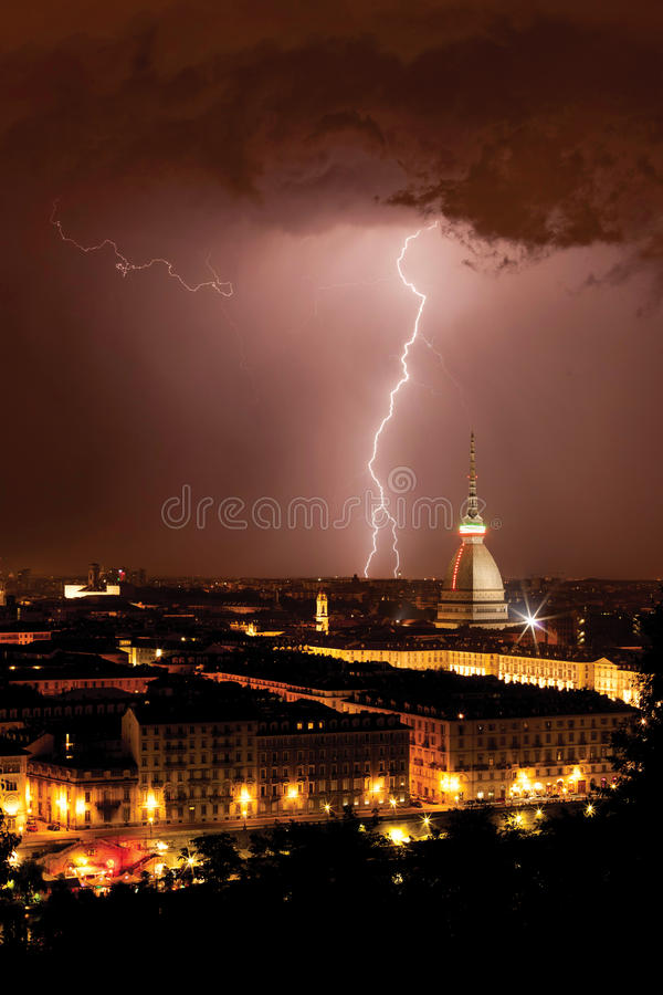 Torino (Turin)/Italien/2011/Mole Antonellian royaltyfri foto