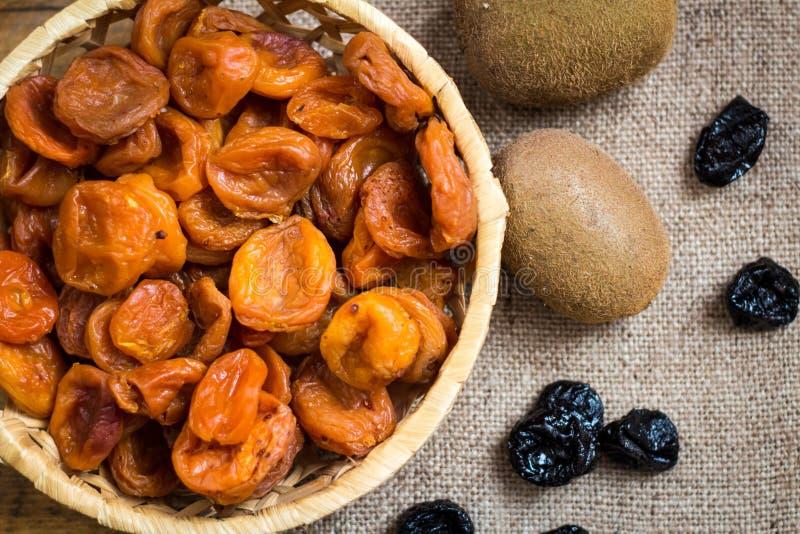 Torkad aprikos-torkad aprikosfrukt royaltyfri fotografi