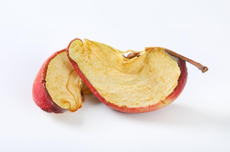 Torkade äpplekilar fotografering för bildbyråer