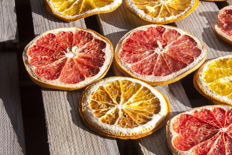 Torkat blod, druva och apelsin royaltyfria bilder
