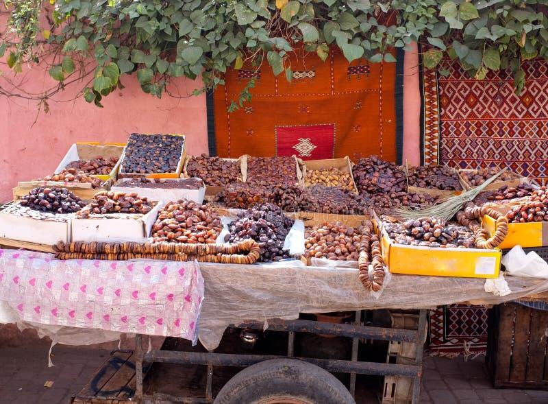 torkat - fruktmorocco stall royaltyfri fotografi
