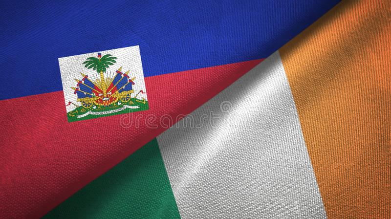 Torkduk f?r Haiti och Irland tv? flaggatextil, tygtextur royaltyfri fotografi