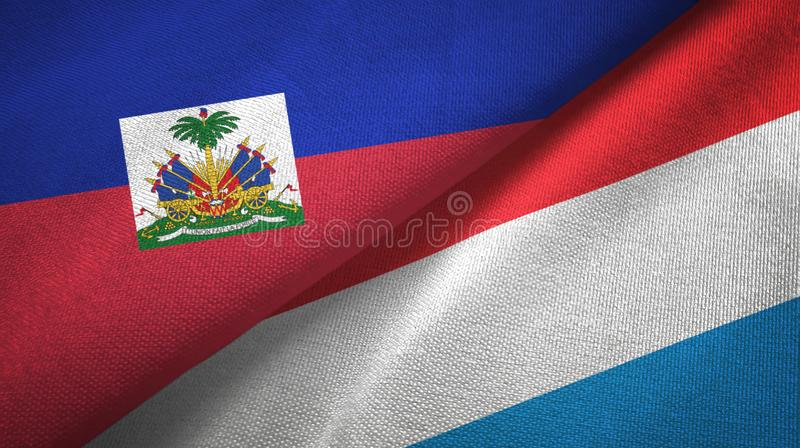 Torkduk f?r Haiti och Luxembourg tv? flaggatextil, tygtextur royaltyfri fotografi