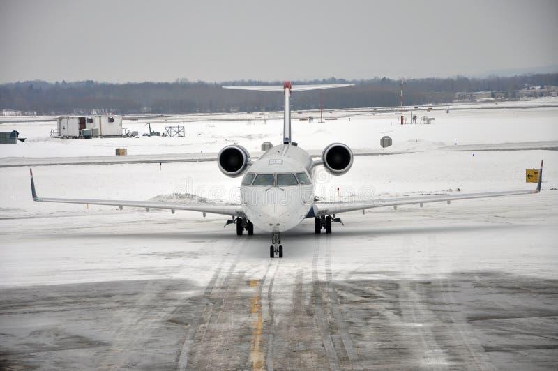Tormenta de la nieve en el aeropuerto fotos de archivo libres de regalías