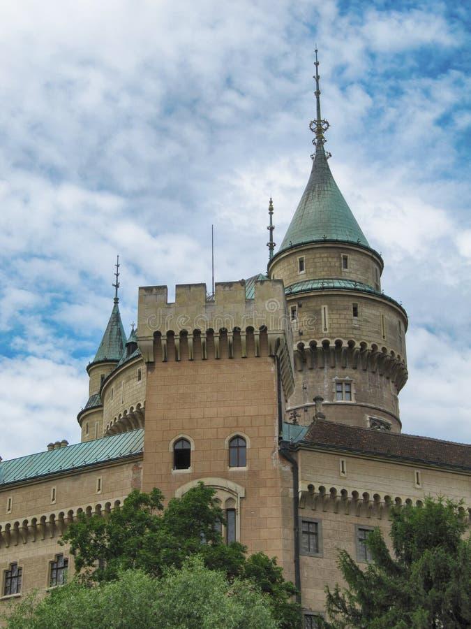 Torn av den Bojnice slotten royaltyfria foton